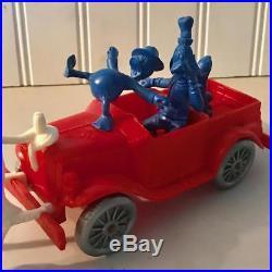 1961 Rare Auburn Rubber Toy Playset Disney Oakie Truck with figures