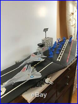 1980's Tim Mee Toy Co. Giant BATTLE CARRIER Aircraft Toy W Figures Plane Plastic