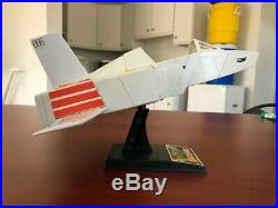 1983 VINTAGE BLACKSTAR Space Ship withStand GALOOB Monster Toy Action Figures