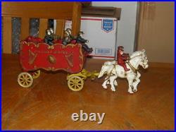 CAST IRON KENTON OVERLAND CIRCUS BAND WAGON WithHORSES 7 FIGURES GOOD PIECE LOOK