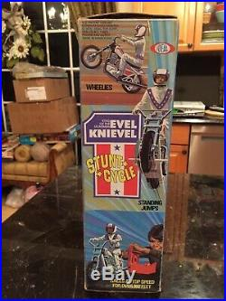 Evel Knievel 1975 Stunt Cycle Action Figure & Yellow Launcher In Orig Box