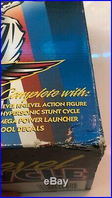 Evel Knievel Stunt Cycle 1998 Playing Mantis Energizer and White Figure NIB