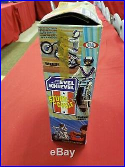 Evel Knievel Stunt Cycle, Blue Launcher, 2 Figures and Box