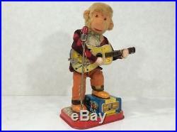 K166 monkey guitar playing toy retro tinplate Vintage Figure71