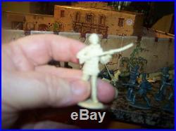 MARX Davy Crockett ALAMO Playset 1950's WithDay Crockett Figure