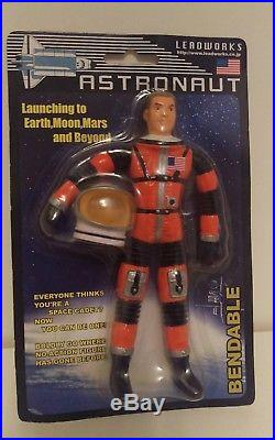Major Matt Mason Red LEADWORKS clone Astronaut Figure mint on card (AA102)