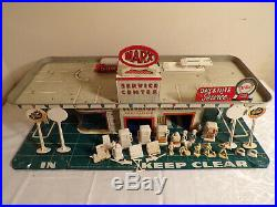 Marx Tin Litho Gas Service Station With Figures And Accessories