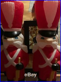 Pair Blow Mold Toy Soldiers Vintage 34' Christmas Light Up Yard Decoration
