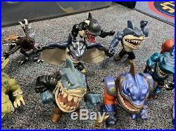 Street Shark Figure Dinosaur 1990s collection toys authentic VTG vintage retro