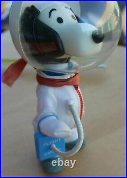 VINTAGE 1969 SNOOPY ASTRONAUT PEANUTS COMIC DOG TOY FIGURE DOLL with ORIGINAL BOX