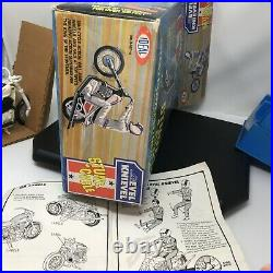 VTG EVEL KNIEVEL STUNT CYCLE SET BOX Figure Helmet Energizer Bike Ideal