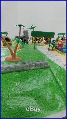 Vintage 1961 Marx Flintstones Play Set Original Figures Buildings Accessories