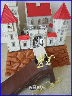 Vintage 1970's KING ARTHUR'S CASTLE Knights Figures Big Play Set Germany