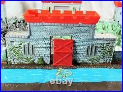 Vintage Louis Marx Castle Playset Vikings & Knights 4743 75 Figures With Box