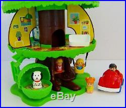 Vintage Palitoy Tree House With Family Figures & Furniture Accessories