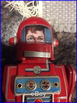Yonezawa Cragstan Astronaut Red Robot Crank type Tin Wind-up Figure Japan made